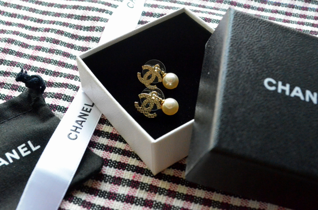 sold for sale chanel pearl earrings branded singapore